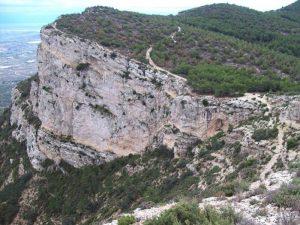 Paso de El Contador en la sierra del Cid, 961 m