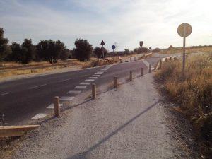 Cruzamos la carretera que lleva a colonia Guadarrama