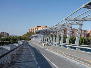Cruzando el Azud del Ebro