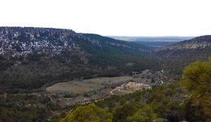 Valle del Cambrón y monasterio al fondo