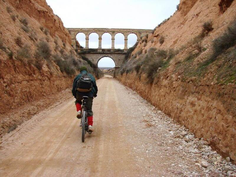 El puente de la Torica entre la Puebla de Híjar y Samper de Calanda