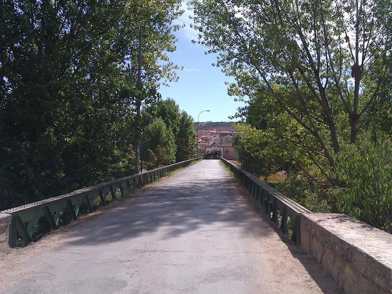 Puente viejo de Alberite
