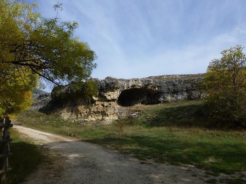 Camino junto al Embalse de Pinilla