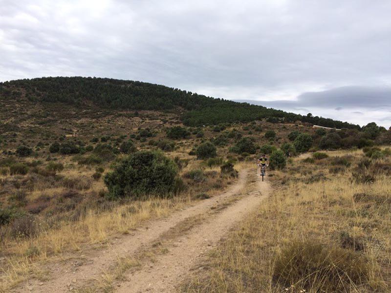 Pista entre Loyoyuela - Buitrago