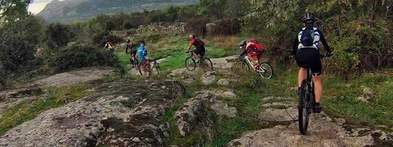 ruta sierra de madrid por lozoyuela y buitrago
