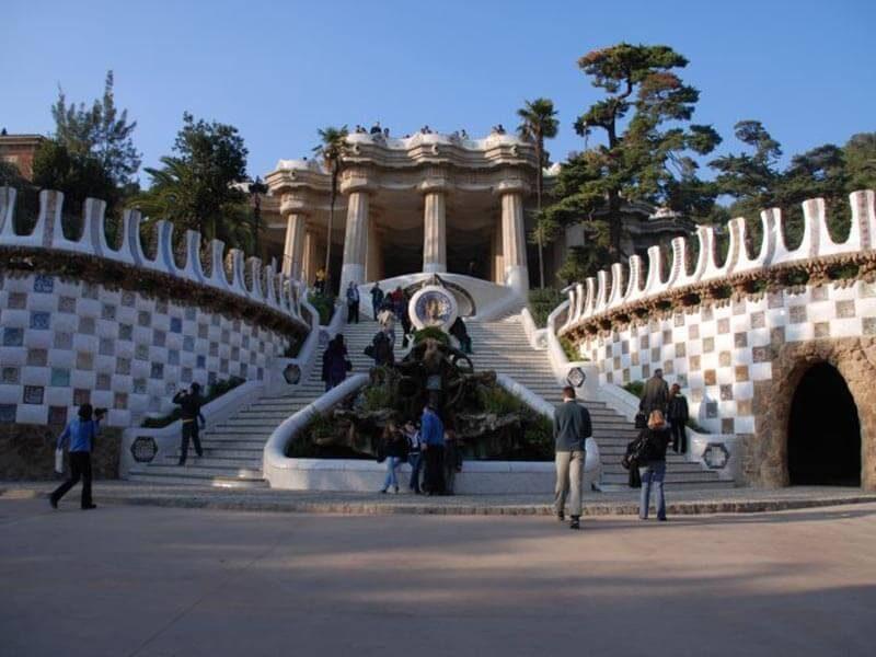 Escalinata del Park Güell - En bici por Barcelona