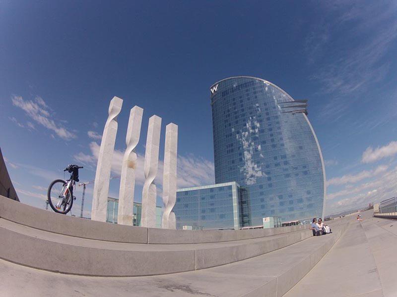 Hotel Vela Barcelona en bici