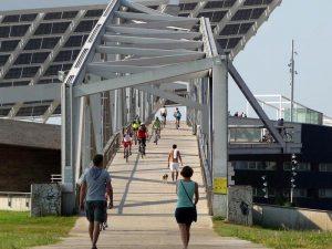 Puente sobre el Puerto del Fórum