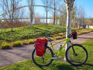 Bicicleta en el Parque Cabecera - Río Turia en bici