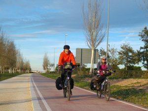 Cicloturistas por la Vía Verde Xurra