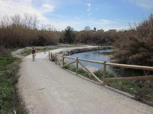 Niños en bici - Parque Fluvial del Turia