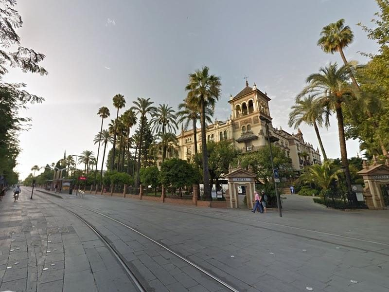 Puerta Jerez - Final de la Ruta Turística por Sevilla