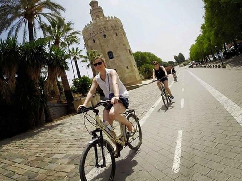Ruta en bici por Sevilla - Torre del Oro