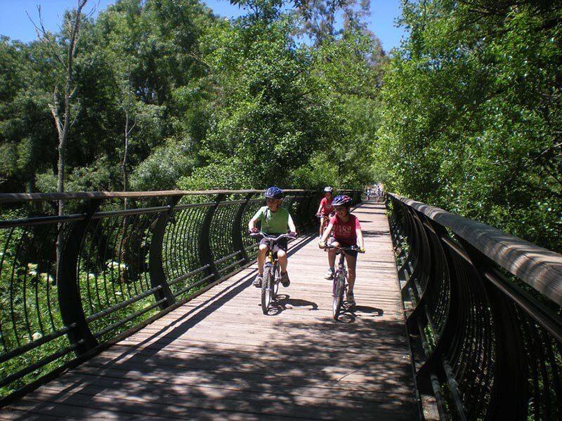 En bici con niños por la Vía Verde de la Sierra Norte de Sevilla