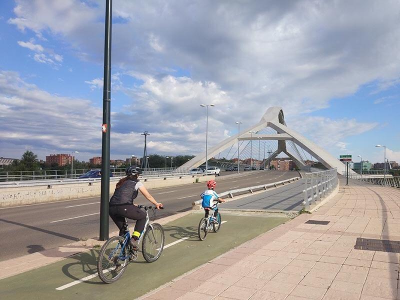Puente del Tercer Milenio en Bici
