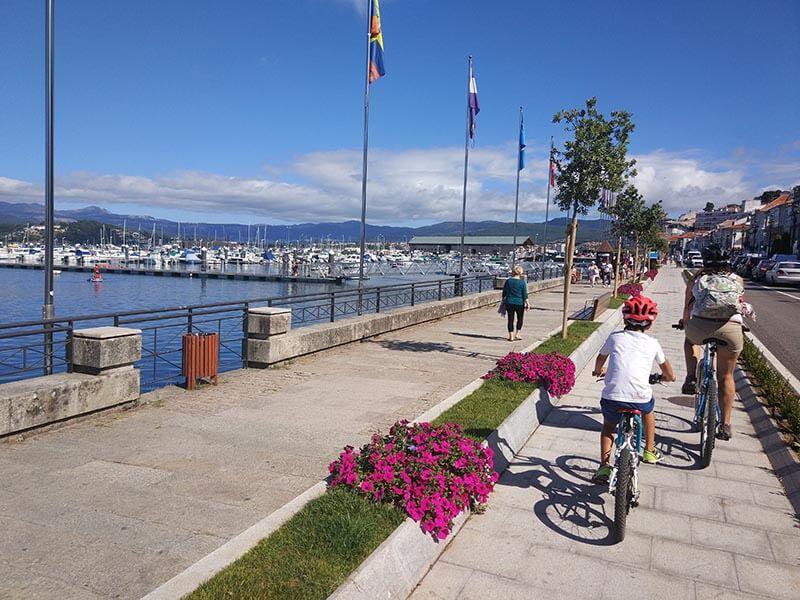 Puerto deportivo - Carril bici de Bayona