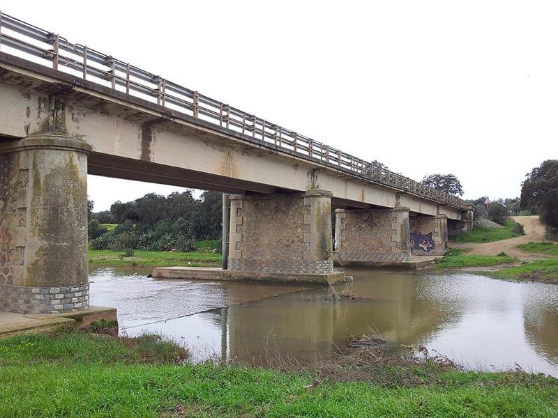 Foto de Puente sobre el rio Guadiamar en carretera Gerena