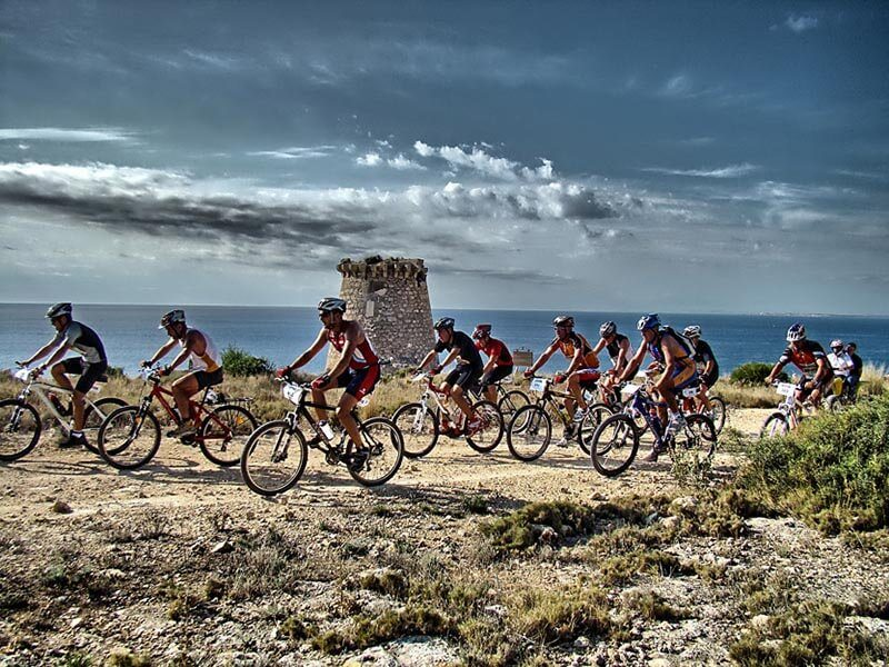 Grupo ciclista por la Sierra de Santa Pola