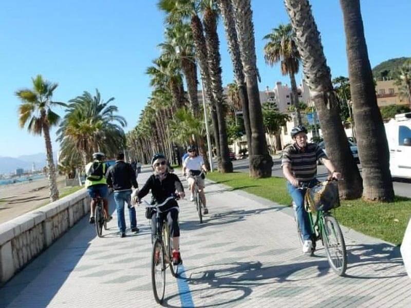 Paseo Marítimo de Málaga en bici