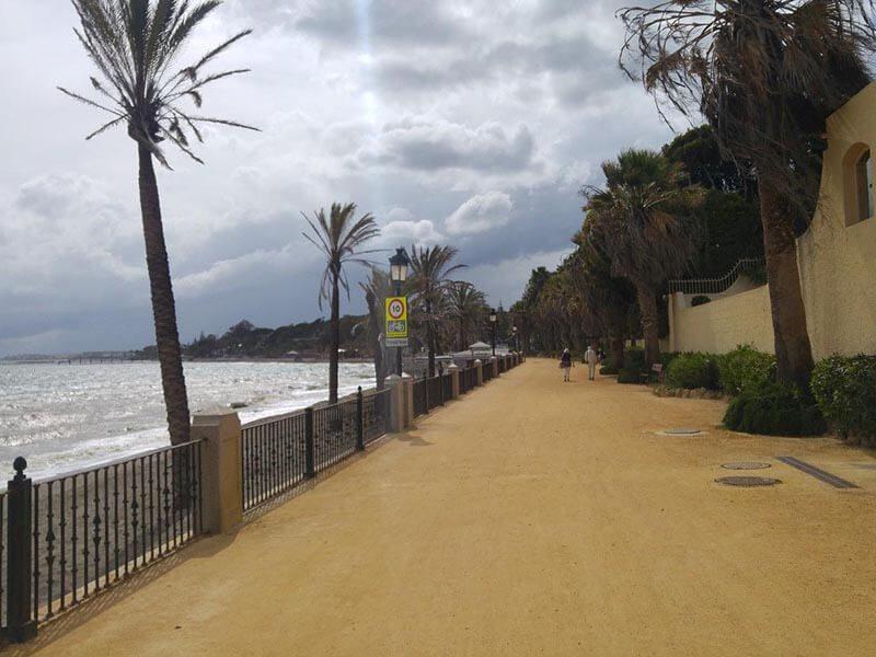 Paseo en bici junto al mar Marbella