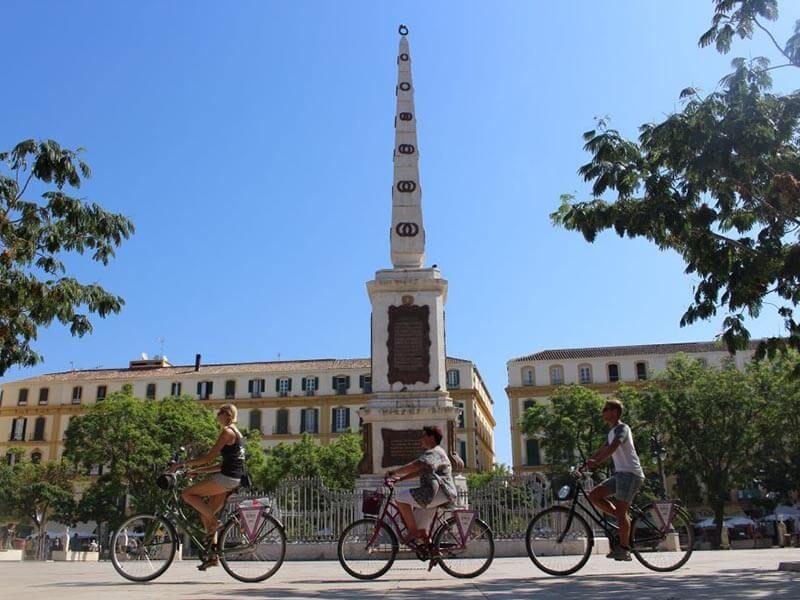 Plaza de la Merced de Málaga en bici