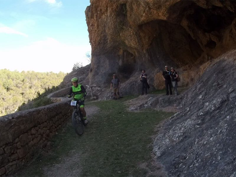 Cueva Mallos Agüero
