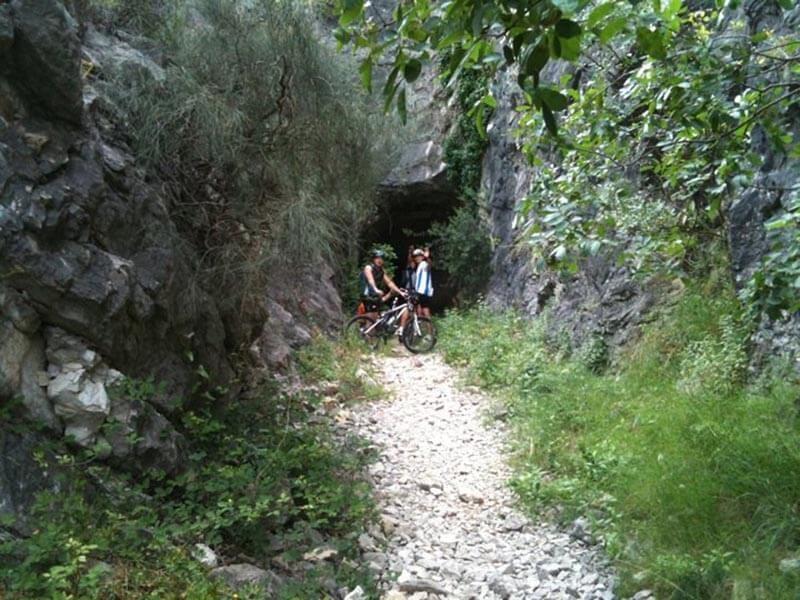 Tunel acceso Presa Isbert