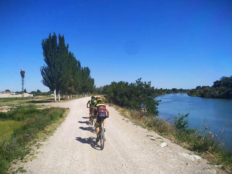 Volvemos paralelos al río Ebro