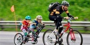 Cómo remolcar niños en bici