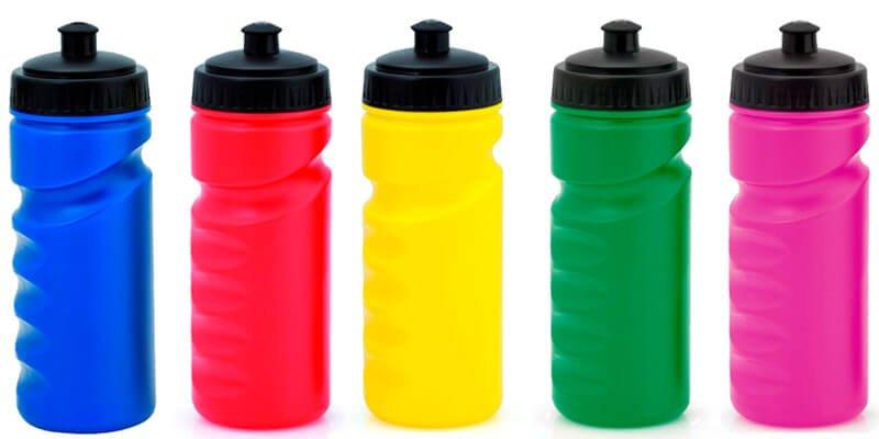 bidones deportivos de plástico